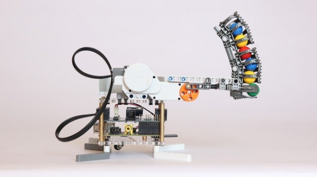 brick-pi-ball-cannon-640x359