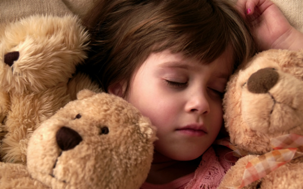 People_Children_Sleeping_girl_027190_
