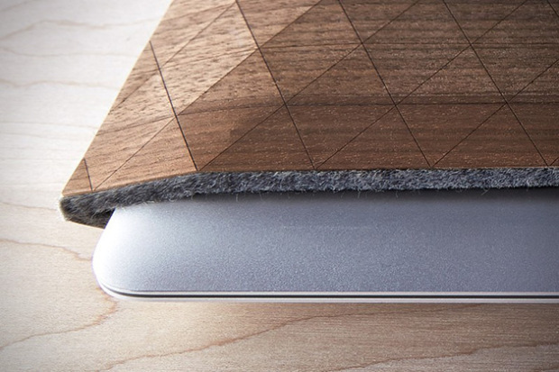 Grovemade-Wood-Sleeves-for-iPad-MacBook-5