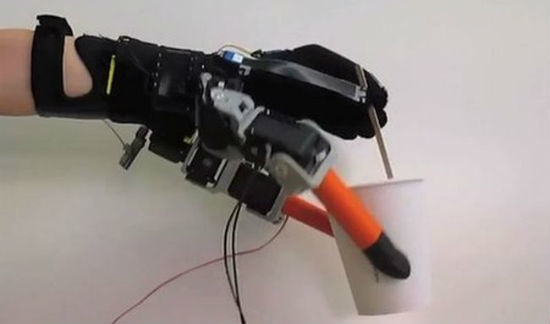 MIT-Supernumerary-Robotic-Fingers-3