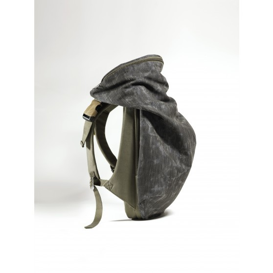 isar_rucksack_coral_granite_three-fourths_1_1