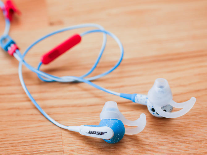 05bose-freestyle-earbuds-product-photos