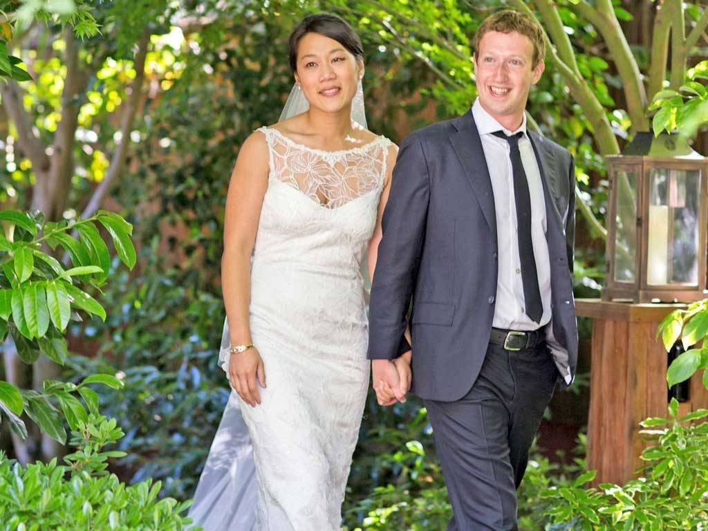 facebook-ceo-mark-zuckerberg-with-his-wife