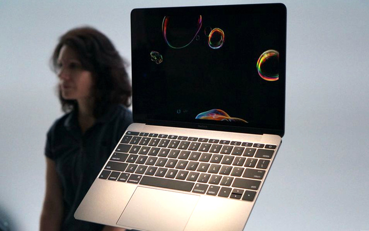 12 MacBook Keyboard the verge 2