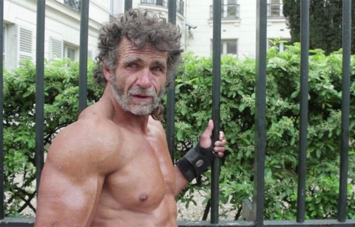 This-Bodybuilder-Is-Actually-a-Homeless-Man-Living-in-Paris-469727-5