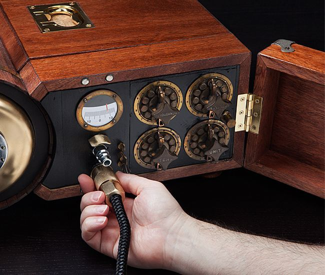 Steam-powered-Gaming-Cabinet_2
