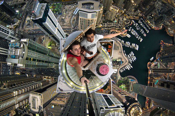 Daredevil captures selfies and Dubai from above
