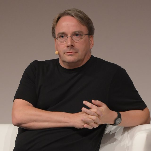 LinuxCon_Europe_Linus_Torvalds_05-640x640