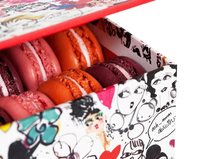 Lanvin-Ladurée_Box-of-8-Macaroons-detail