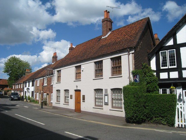 The_Fat_Duck,_High_Street,_Bray_-_geograph.org.uk_-_1271175