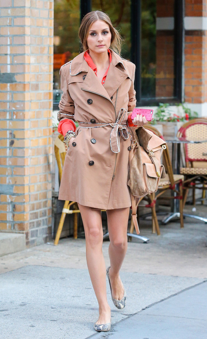 While-out-lunch-NYC-Olivia-Palermo-layered-up-chic-trench