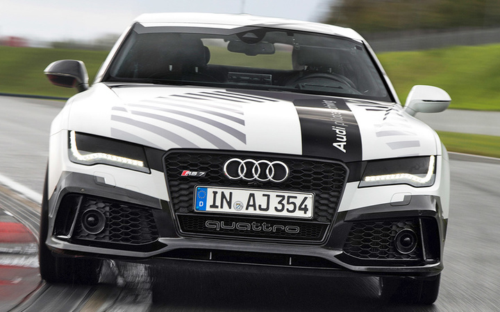 audi-rs7-driverless-016