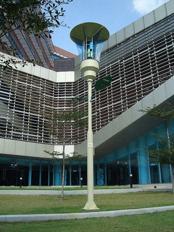 3055951-slide-s-3-these-malaysian-streetlights-kill