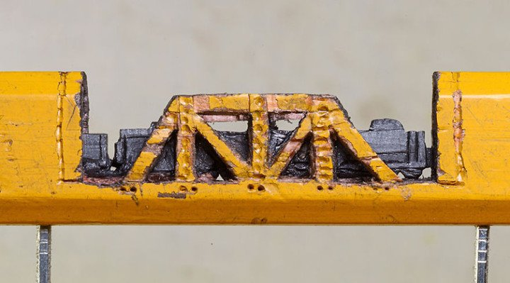 I-found-a-carpenter-pencil-in-the-shop-and-turned-it-into-a-train-2__880 (1)