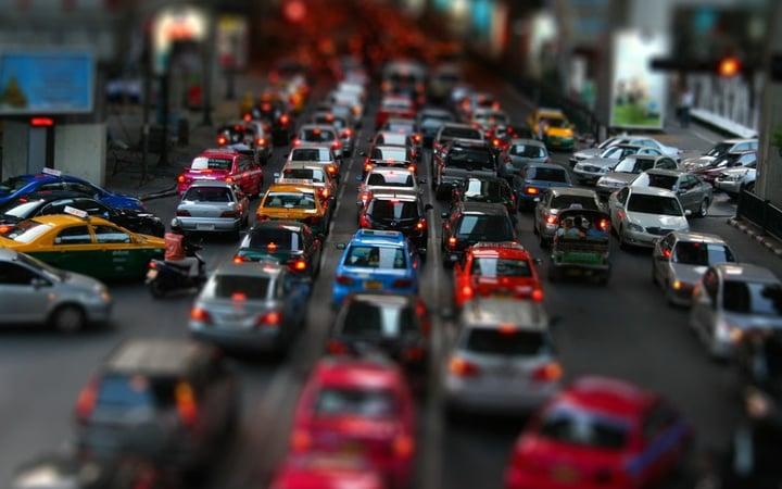 Street-car-traffic-jam_1600x1200