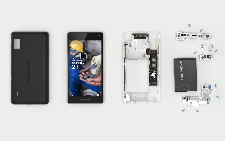The-Fairphone-2-Dissassembled