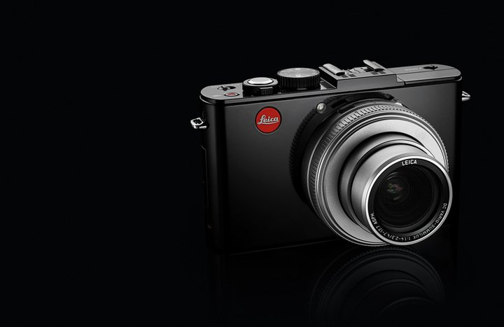 Leica-D-Lux-6-glossy-black_emo2