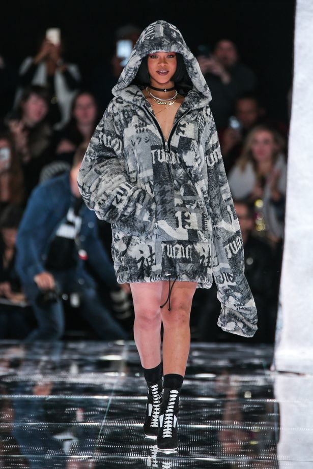 Rihanna-greets-the-audience-after-presenting-the-FENTY-x-PUMA-by-Rihanna-Fall-2016-fashion-show