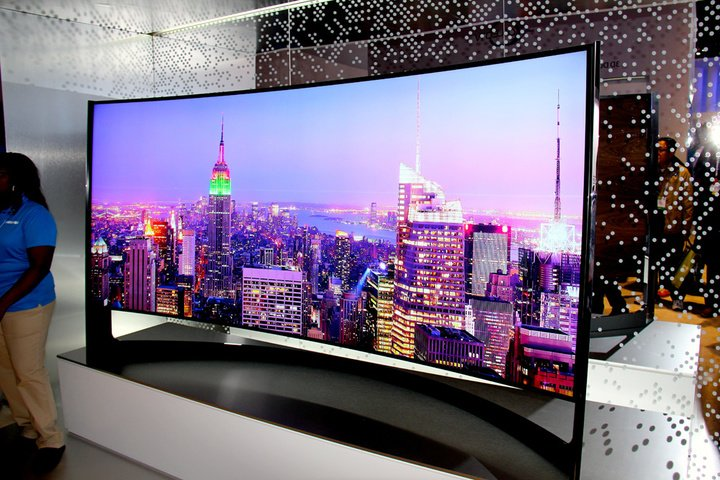 Samsung curved panoramic TV