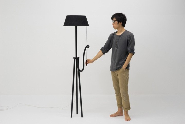 Unique-Lamp-that-Will-Turn-Itself-Off-When-Not-Used-2