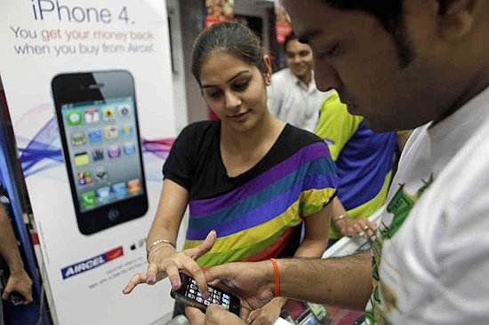 apple-india_slide-3954555ed45486134c163a414573cf047718235a-s6-c30