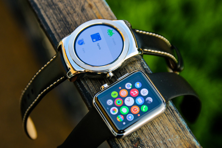 Android-Wear-Vs-Apple-Watch-9