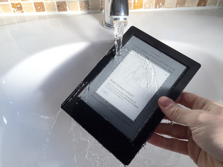 Kobo_Aura_H2O_review_waterproof