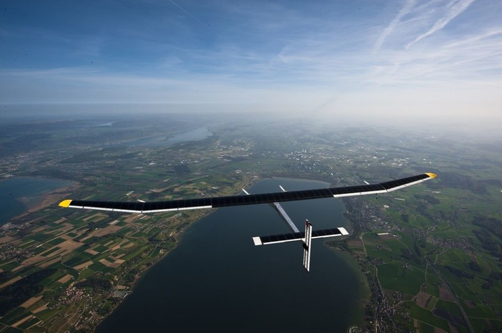 10283_solar_impulse_jean_revillard