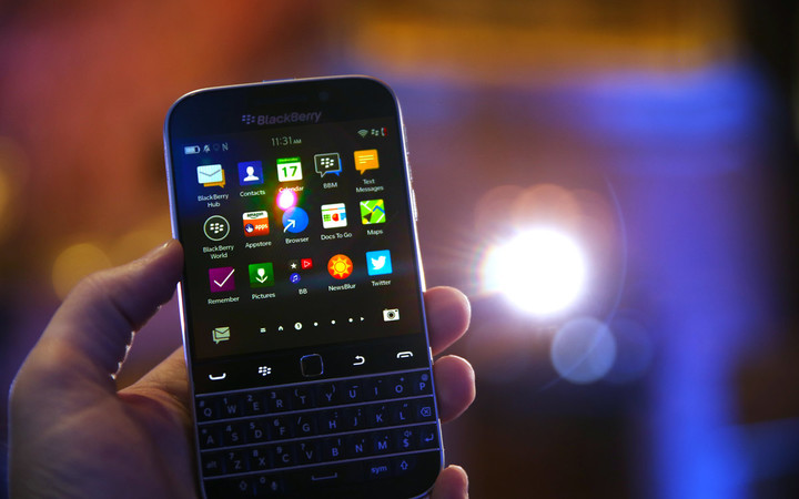blackberry-classic-front