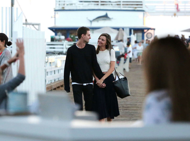 Miranda-Kerr-with-Evan-Spiegel-Out-in-Malibu--07