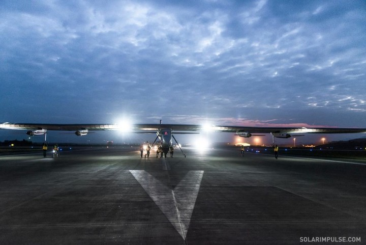 SI2 in Chongqing airport