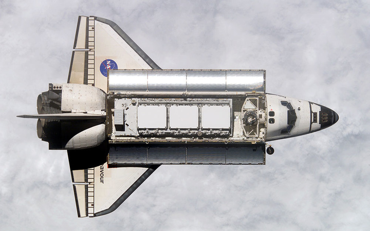 Space-Shuttle-Endeavour-with-ISS-P1-truss-in-cargo-bay