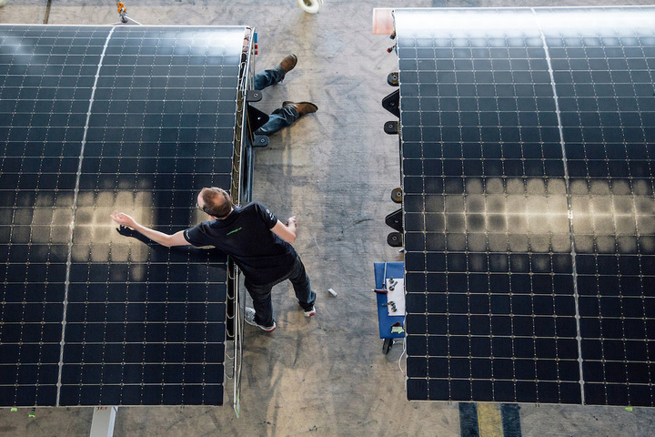 Abu Dhabi, UAE: After the succesful unloading of Solar Impulse to from the cargo, today the Plane is being reassembled in order to get ready for the test flights. The attempt to make the first round-the-world solar-powered flight is scheduled to start in March 2015 from Abu Dhabi. Solar Impulse will fly, in order, over the Arabian Sea, India, Myanmar, China, the Pacific Ocean, the United States, the Atlantic Ocean and Southern Europe or Northern Africa before closing the loop by returning to the departure point. Landings will be made every few days to change pilots and organize public events for governments, schools and universities.