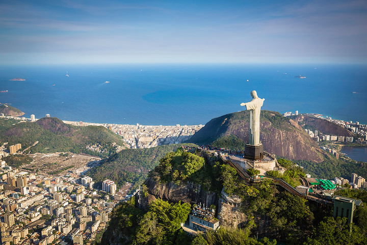 The-statue-of-Christ-the-Redeemer