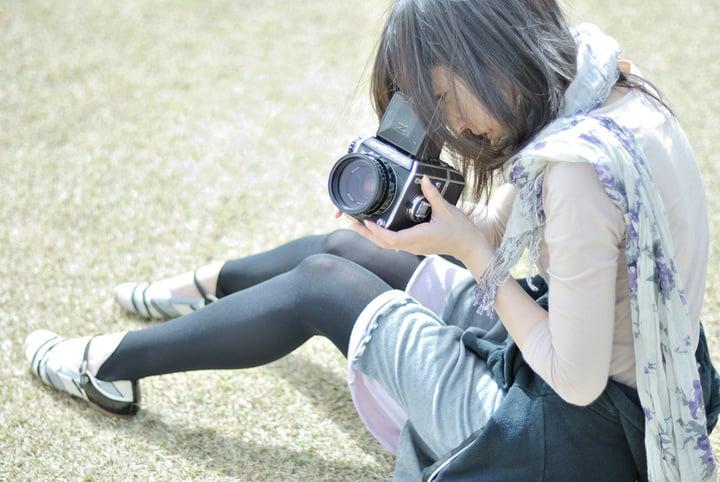 camera-camera-Bronica-girl-01