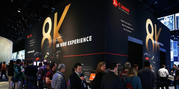 las-vegas-nv---january-07--show-attendees-wait-in-line-for-the-canon-8k-ride-experience-at-ces-201