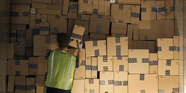 amazon-has-patented-a-system-for-shipping-your-stuff-before-you-order-it-1024x511