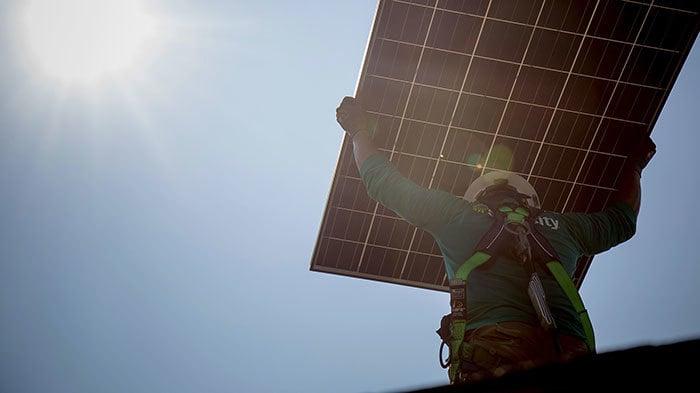 Tesla/SolarCity 太阳能屋顶