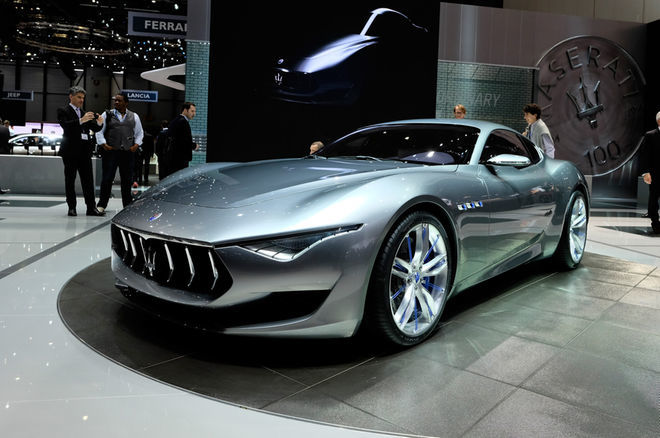 maserati-alfieri-concept-show-floor-front-side-view2