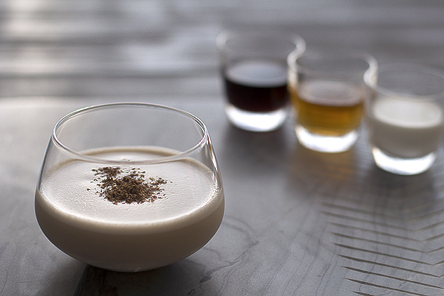 brandy.alexander.cocktail.recipe.1.1