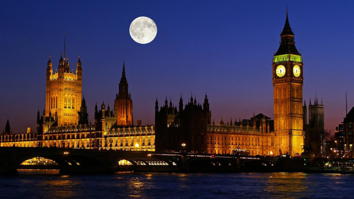 exclusive-escapes-london-england-tower-of-london-the-london-pictures-visit-london-trip-to-london-london-bridge-luxury-travel