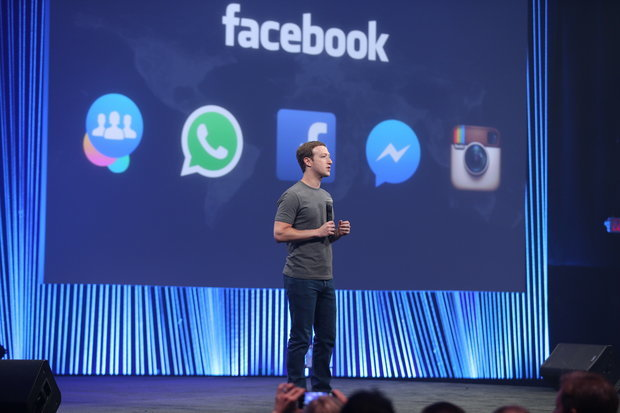mark-zuckerberg-in-front-of-family-of-apps-slide-100576528-primary-idge