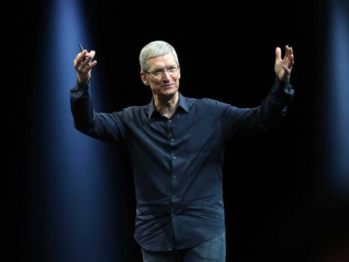 tim-cook-just-saved-countless-lives-by-announcing-that-he-is-gay-says-the-human-rights-campaign