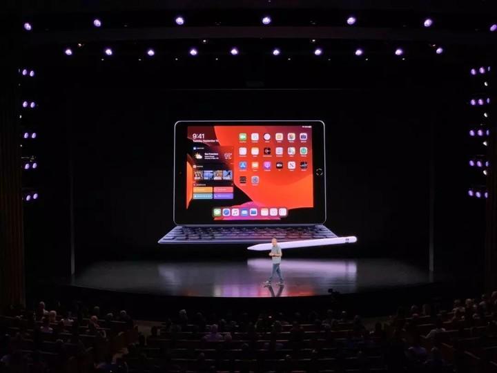 视频 | 新iPhone硬件向上定价向下,Pro后缀首次加持
