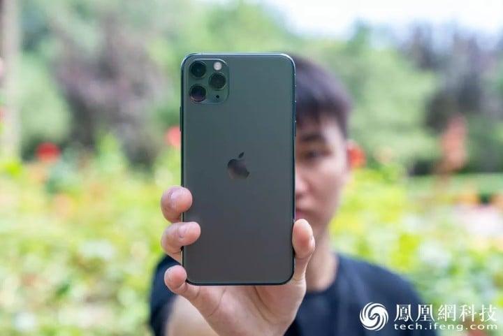 iPhone 11 Pro Max测评:三摄之外,还多出了什么? | 凰家评测