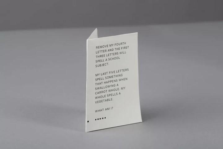 Google推出一款纸做的手机,我带着它度过波澜不惊的一天