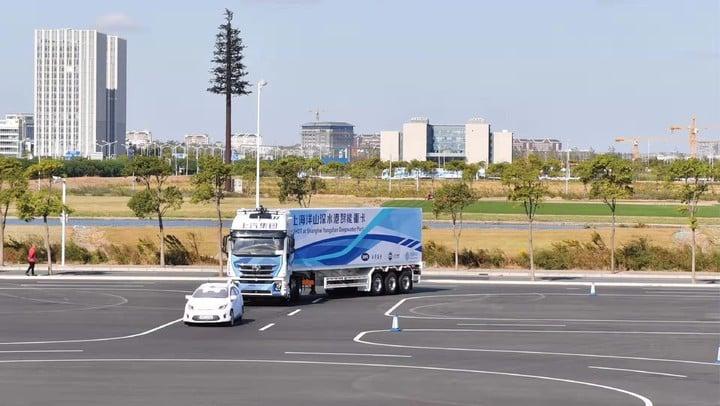 上汽旗下重卡的自动驾驶货运难在哪里?