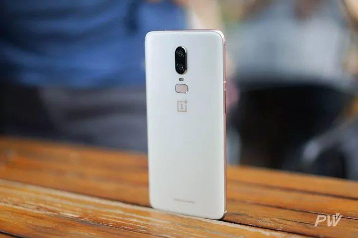 手机的交互界面,一定得是正面屏幕吗?