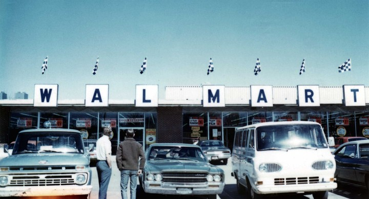 Store 1 in the early 1970s 2 Courtesy the Walmart Museum