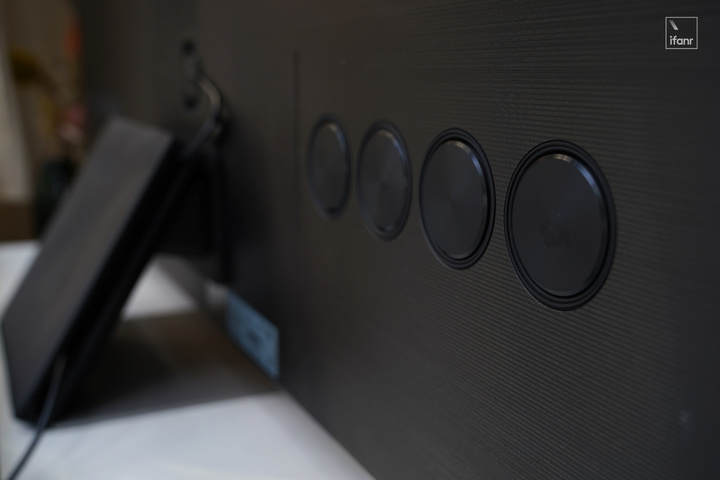 三星 mini-LED 8K 电视 QN900A 体验:什么是「钞能力」?这就是